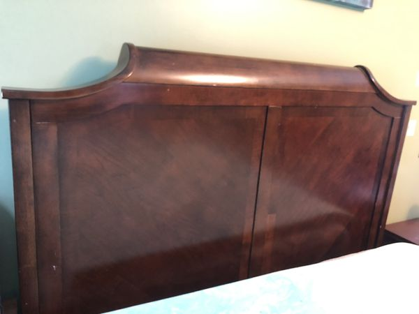 Queen Mahogany Sleigh Headboard (ONLY bed)