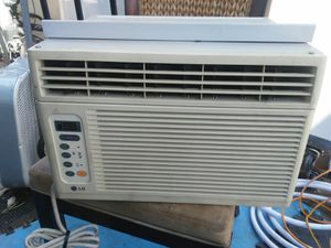 Air conditioner 8000 btus for Sale in Placentia, CA