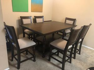 Table and chairs for Sale in Vista, CA