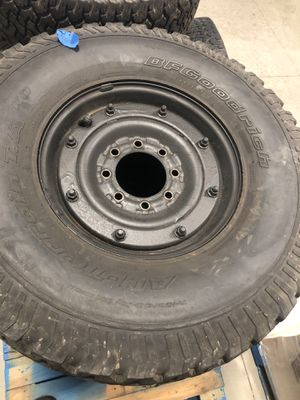 35 x 12.5 R16.5 tires with rims from a 1999 Hummer H1 for Sale in Cornelius, NC