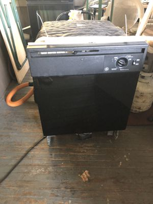 """24"""" GE Under Counter Dishwasher, Black for Sale in St. Petersburg, FL"""