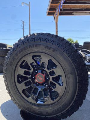 """17"""" TRD RIMS WITH LT2657017 MUD TIRES. 6X5.5 for Sale in Modesto, CA"""