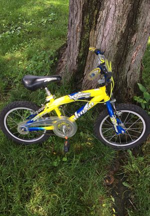 Small child bicycle (no training wheels) for Sale in Sunbury, PA