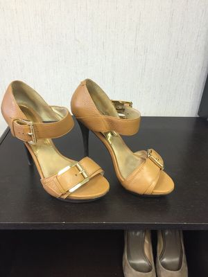 Michael Kors size 9 sandals for Sale in Pittsburgh, PA
