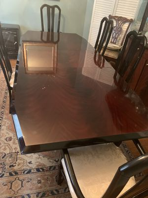 Dining room table for Sale in Jersey City, NJ