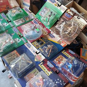 Lot Of 10 STARTING LINEUP VINTAGE ACTION FIGURES all In Package All For $30 for Sale in Clovis, CA