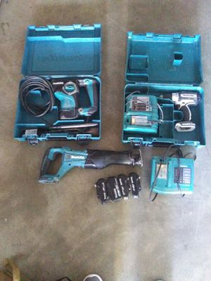 Makita 18v roto hammer, drill w/bits , sawzall ×with 5 amp batterries,4 extra batteries and two charging port for Sale in Lynnwood, WA