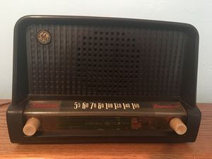Antique AM Radio is a General Electric Model 226 In Great Working Order for Sale in Miami, FL