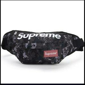 Supreme waist bag for Sale in Hoffman Estates, IL