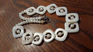 Absolutely Gorgeous vintage Mother of pearl necklace. for Sale in New York, NY