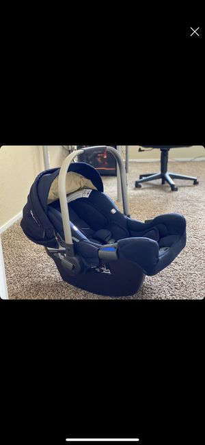 Nuna Pipa Car seat for Sale in Phoenix, AZ