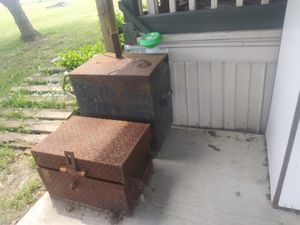 Old craftsman welder and toolbox no cord for Sale in Red Oak, TX