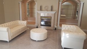 Cream Chesterfield sofa set bling for Sale in Baltimore, MD