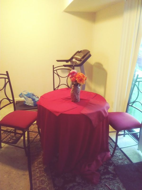 Set of dinning table and chairs