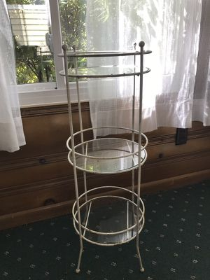 Vintage 3 tier plant stand for Sale in Middleburg Heights, OH