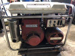 Honda ES 3500 generator not running for Sale in Raymond, WA