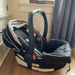 Graco SnugRide Infant Car Seat for Sale in San Diego, CA