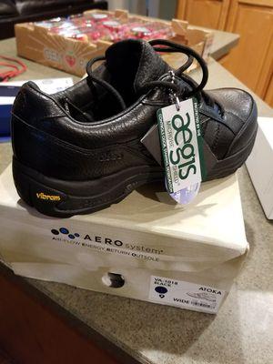 New men's aero comfort shoes size 9 wide for Sale in Norwalk, CA