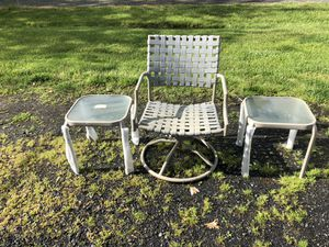 Chair and side table for Sale in Aldie, VA