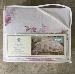 New simply shabby chic duvet pillowcase set for Sale in Lake Elsinore, CA
