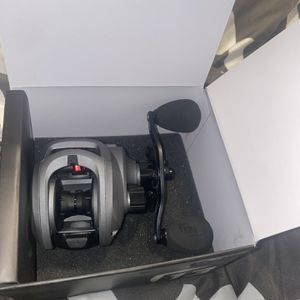 13 Fishing inceptions Fishing Reel for Sale in Richmond, TX