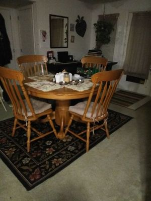 Dinning room table with pedestal and lion claw feet for Sale in Ashland, MA