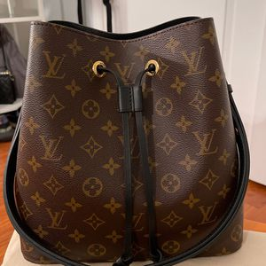 Authentic LV Neonoe MM — Black for Sale in Silver Spring, MD