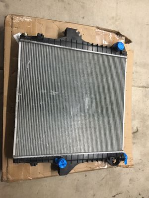 2005 dodge cummins Radiator for Sale in Phoenix, AZ