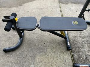 Weight bench with squat rack and bar for Sale in Portsmouth, VA