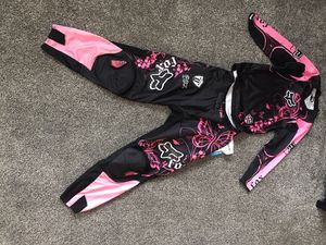 Fox Female dirt bike outfit for Sale in Clovis, CA