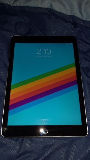 iPad 6th generation (32gb) for Sale in Minneapolis, MN
