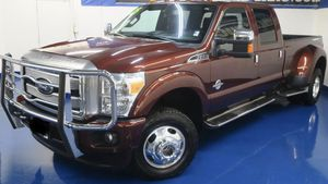 2015 Ford F-350 Super Duty Platinum 4x4 (ACEPTAMOS ITIN:) for Sale in Denver, CO