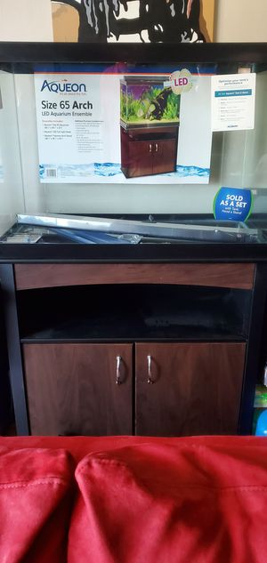 Aqueon 65 inch Aquarium (Fish Tank) for Sale in Swansea, IL
