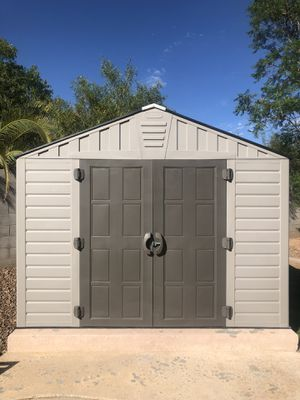 Outdoor shed (excellent condition) for Sale in Peoria, AZ