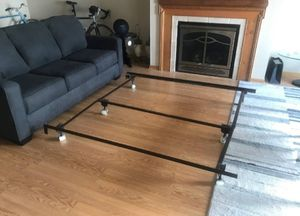 Queen size metal bed frame for Sale in Saint Paul, MN