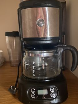 GE Coffee Maker for Sale in Roseland,  VA