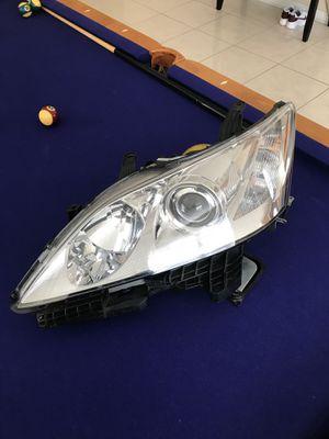 2007-2009 Lexus es350 xenon driver headlight w lamps for Sale in Orlando, FL
