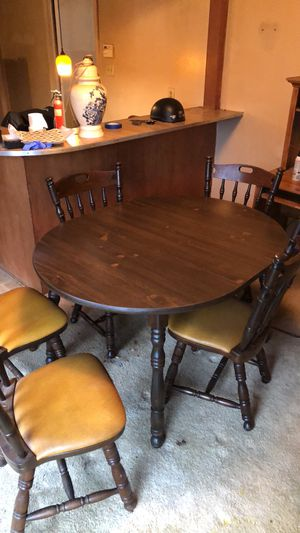 Dining room table for Sale in Liberty, NC