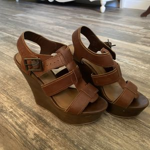 Women's Steve Madden Leather Wedge Heels- Size 8.5 for Sale in Carlsbad, CA