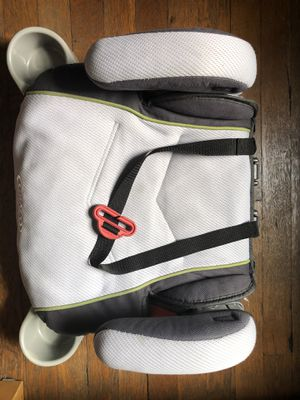 Graco TurboBooster Backless Booster Car Seat for Sale in Pittsburgh, PA