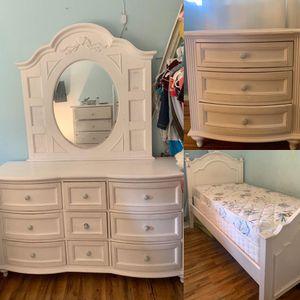 Bedroom set for Sale in El Cajon, CA