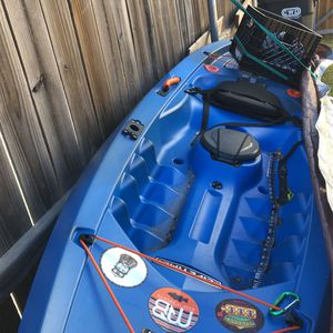 10 Ft On Top Fishing Kayak for Sale in Little Elm, TX