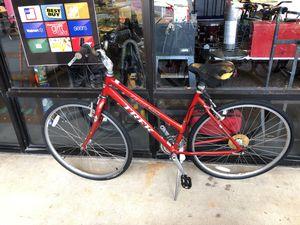 """Trek 28"""" Women's Hybrid Mountain Bike Red Multitrack 7300 SALE!!! for Sale in Oviedo, FL"""