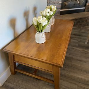 "Coffee table solid wood 27"" x 51"" x 19""H for Sale in Vancouver, WA"