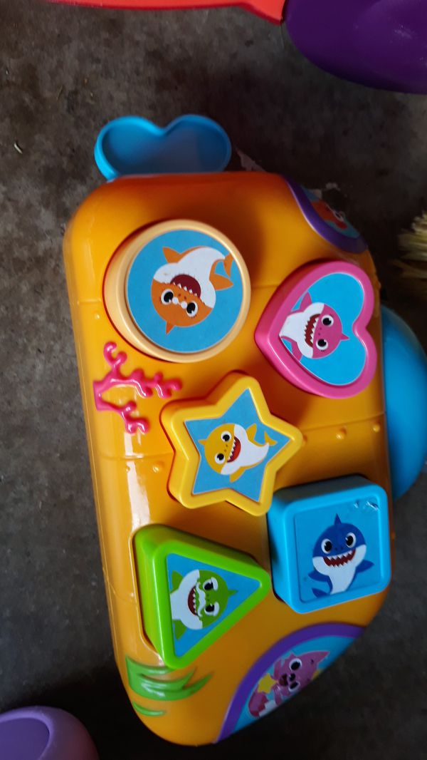 Kids play toy