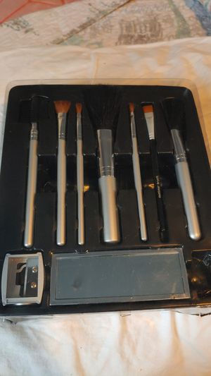 Makeup brushes for Sale in Pico Rivera, CA
