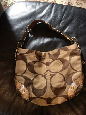 Coach bag for Sale in Agoura Hills, CA