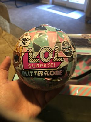 Set of 5 lol surprise glitter globe new for Sale in Shelby Charter Township, MI