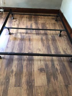 Queen adjustable bed frame for Sale in Fairmont,  WV