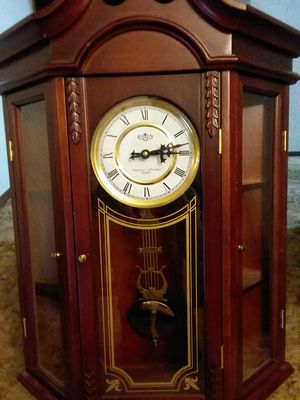 D&A Westminster/Whittington Quarts Wall clock with shelves for Sale in Covington, WA